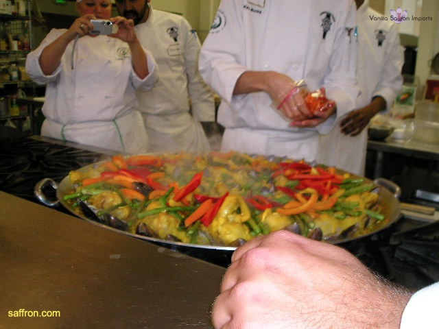 Vanilla, Saffron Imports Paella at California Culinary Academy%0A2005 022