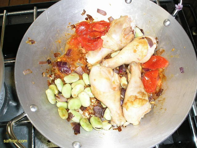 Vanilla, Saffron Imports Paella VSI four people Saffron Soaked and other ingredients ready 939