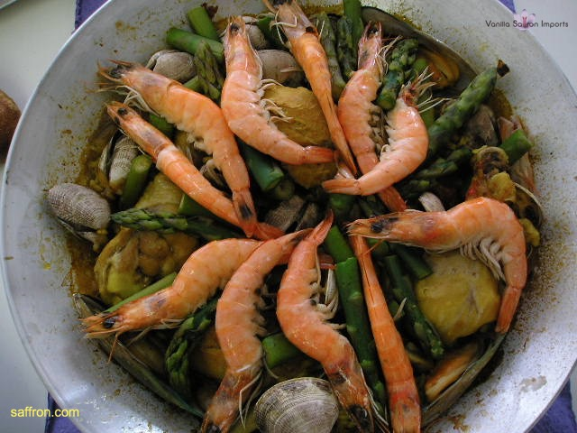 Vanilla, Saffron Imports Paella VSI four people Saffron Soaked and other ingredients ready 959