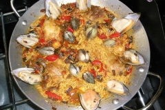 Vanilla, Saffron Imports VSI Paella for four people 905