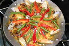 Vanilla, Saffron Imports VSI Paella for four people 907